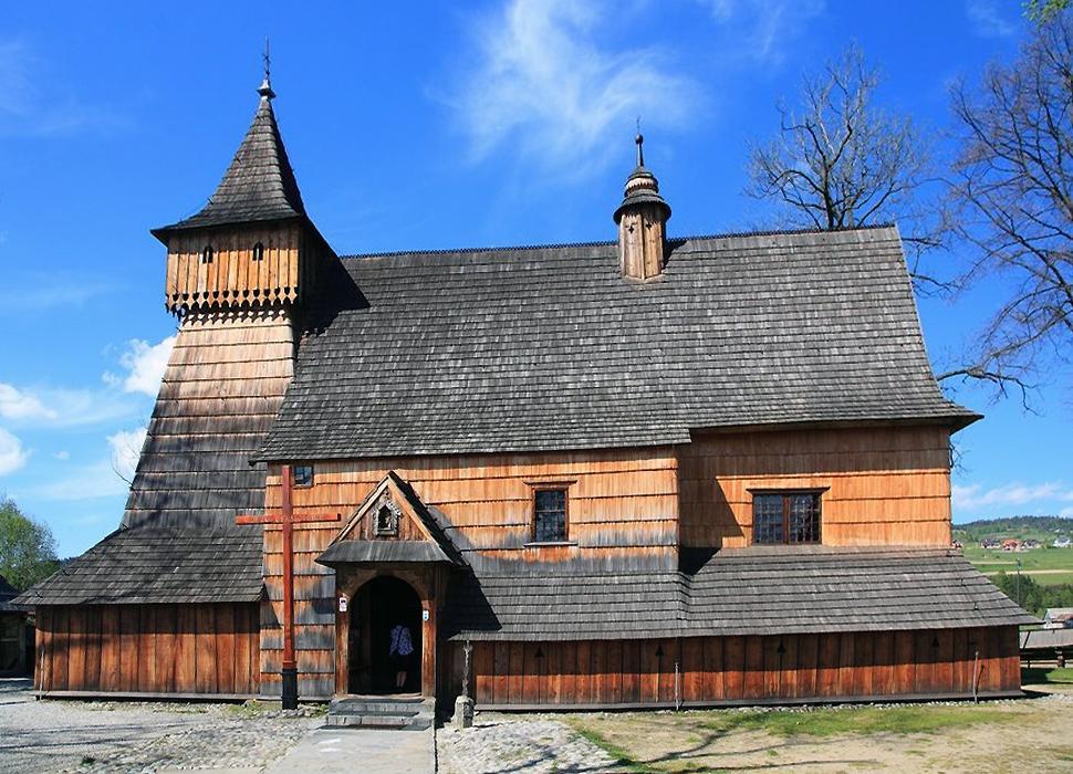 Kościół w Dębnie PodhalańskimKościół w Dębnie Podhalańskim pod wezwaniem w. Michała Archanioła jest pięknym zabytkiem kultury.